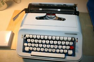Vintage Underwood 378 Portable Typewriter New Ribbon Made In Spain 1980 s