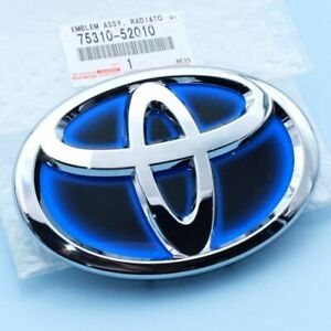 Genuine 2012 15 Toyota Prius C Front Grille Emblem Name Plate Assy 75310 52010