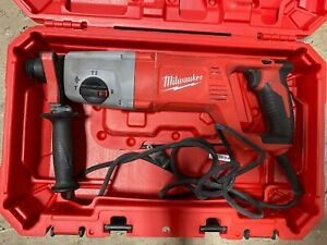 Milwaukee 5262 21 8 Amp Corded 1 Sds Plus Rotary Hammer In Case Used