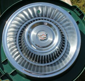 Nice 1963 1964 Cadillac Deville 15 Hubcap Wheel Cover Oem