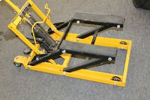 Central Hydraulics Atv Motorcycle Lift 1500 Lbs