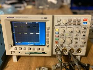 Tektronix Tds3034b Dpo 300 Mhz With Tds 3fft And Tds 3trg And 4 X 500mhz Probes