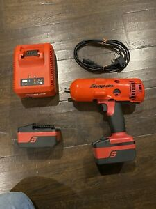 Snap On 18 Volt 1 2 Drive Cordless Impact Wrench Set Ct8850 Ctb8185 Ctc720