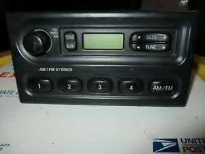 2009 Crown Victoria Interceptor Am Fm Stereo Player Receiver Dash Console P71