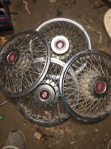 Oldsmobile Wire Spokes 1980s Vintage Hubcaps 14 Chrome Old Hub Cap Set Of 4