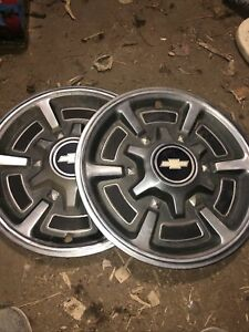 Vintage Set Of 2 Chevrolet 15 Hubcaps Good Condition