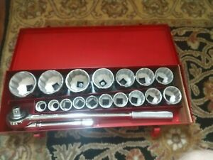 Craftsman 19pc 3 4 Drive 12pt Socket Set In Metal Case Never Used