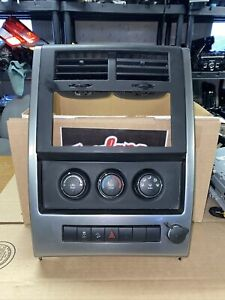 10 11 12 Jeep Liberty Radio Bezel With Climate Controls 2010 2011 2012
