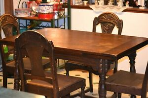 Jacobean Antique Oak Dining Table With Pull Out Leafs And 4 Chairs