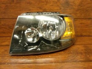 Ford Expedition 2003 2004 2005 2006 Left Driver Headlight With Black Housing