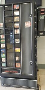 Refrigerated Drink And Snack Vending Machine With Change Machine