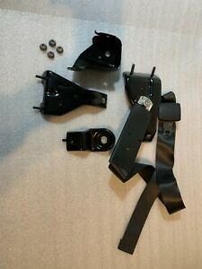 03 19 Oem Dodge Ram Center Jump Seat Console Mounting Brackets With Seat Belt