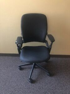 Steelcase Leap V2 Office Chair On Wheels With Arms Back Wrest Black