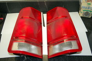 Pair Land Rover Discovery 2 Tail Lights Fits 01 02 Land Rover 5094608