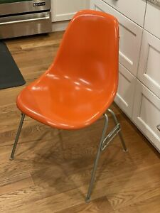 Vintage Authentic Eames Stacking Orange Fiberglass Shell Chair X Herman Miller