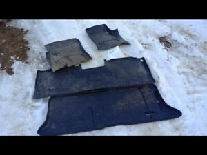 2005 Ford Expedition Weathertech Floor Mats Complete Set