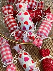 Set Of 8 Primitive Valentines Day Fabric Candy 2 5 Bowl Filler Hearts Gingham