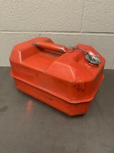 Vintage Blitz U s m c Gas Can 2 5 Us Gallon 9 5 L Dot Fuel Red 2 1 2 84