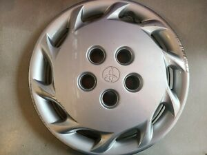 1 1997 1999 Toyota Camry 14 Wheel Cover Hubcap 42621 aa030