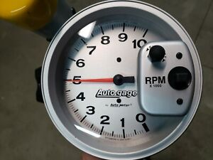 Auto Meter 233911 5 Autogage Shift Light Pedestal Tachometer 0 10 000 Rpm Used