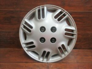 Saturn S Series 1996 1997 1998 1999 14 Inch Factory Hubcap With Nut Covers