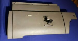 1998 2005 Vw Beetle Gray Glovebox Compartment Assembly W Keys
