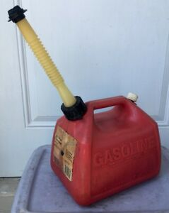 Vtg Gott 1 1 2 Gallon 5 7l vented Gas Can Plastic Item 1216 Made In Usa