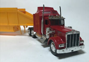 New ray Kenworth W900 Belly Dump Trailer Die cast Model 1 32 Red Yellow