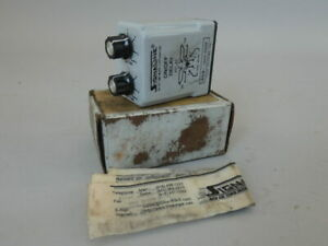 Time Mark 339 120v 300s On off Delay Relay True Off Ac dc 8 pin 1 300sec