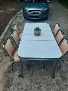Vintage Formica And Chrome Mcm Dining Table W 6 Chairs And 2 Leaves