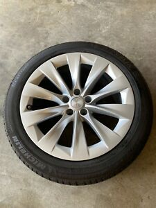 Tesla Model X Silverstream 20 Inch Wheels And Michelin Latitude Tires Tpms