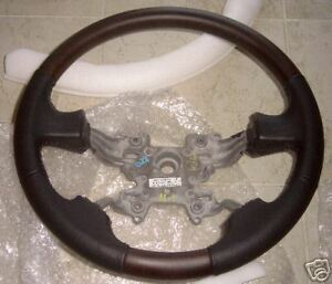 Land Rover Lr3 Walnut 2 Piece Wooden Steering Wheel