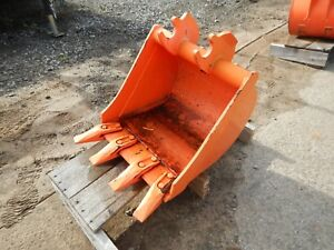 Kubota Bt1973 18 Quick Attach B26 Trenching Bucket W Teeth 0001035