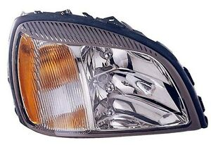2004 2005 Cadillac Deville New Right Passenger Side Headlight Assembly