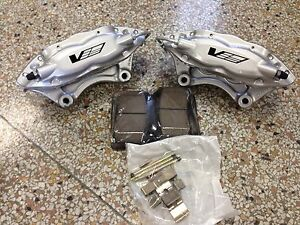 Cadillac Cts V Brembo Silver 4 Piston Rear Calipers Pair W Brake Pads 89047742