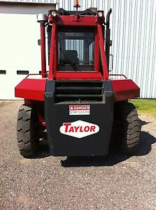 1998 Taylor Big Red Fork Lift Mdl Thd300s