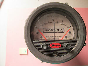 Good Used Dwyer Photohelic Pressure Switch Gage Guage 3304 209