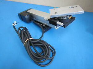 Iai Linear Actuator Sa a5l r 100 Assembly With Melles Griot Rotation Stage