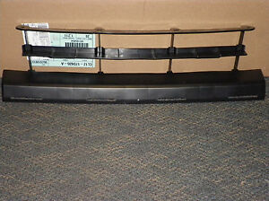 New Oem 2007 2014 Ford Expedition Front Bumper Radiator Grille Cl1z 17d635 A
