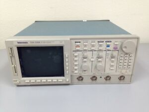 Tektronix Tds520b Oscilloscope 500mhz 1gs s 2 Chs As is