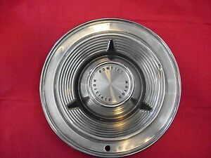 Vintage 1962 Pontiac Hubcaps Set Of 4 14 Oem Stock Good Used
