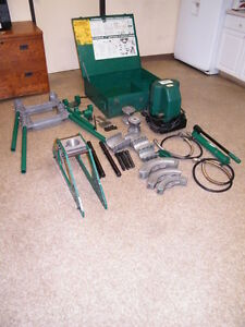 Greenlee Hydraulic Pipe Conduit Bender Model 777 980 744 Pump 1 1 4 4 Dies