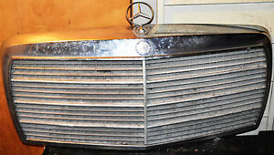 Mercedes Benz Grille Assembly 126 Chassis 1981 1991 With Badges Good Condition