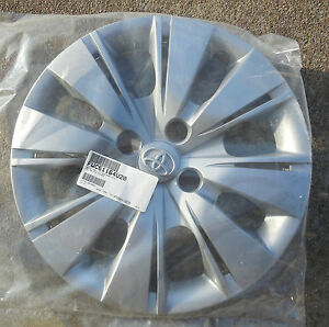 15 2012 13 14 Toyota Yaris 16 Spoke Hubcap Wheel Cover 4260252520