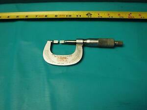Used Mitutoyo Blade Micrometer 122 125 0 1 W Case