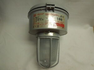 Crouse Hinds Vmvm100 mt Champ Lighting Fixture Ceiling Mount 100 W 120 277 Volts