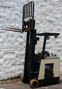 Crown Rc3020 30 Stand Up Electric Forklift