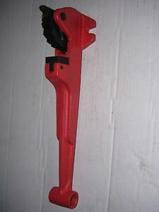 Foot Wrench No Pipe Wrench 1 2 1 1 4 Ridgid 300 700 141 161 Pipe Threader 811a