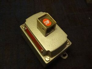 Crouse Hinds Eds2184 Explosion Proof Push Button Switch Heavy Duty Pilot Light