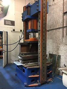 250 Ton Hydraulic Press